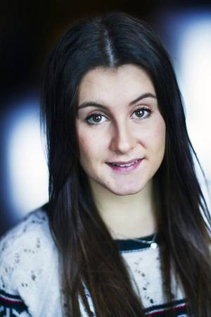 Namn: Felicia DalborgÅlder: 18Ort: ÅsIntressen: Gillar att umgås med kompisar och vara med sina djur.Därför vill jag bli lucia: Det har alltid varit en dröm att få vara lucia.