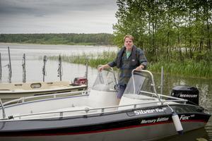 Båt behövs för att ta sig till den kära sommarstugan på Almö-Lindö.