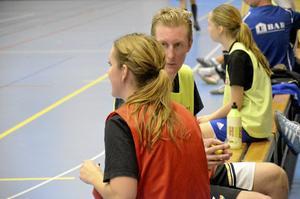 Stjärnglans. Christoffer Skoog från futsallandslaget och rutinerade damlagsspelaren Ida Johansson passade på att byta några ord.