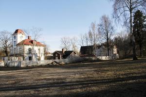 Miljö- och byggnämnden kan överklaga Länsstyrelsens beslut om att upphäva bygglovet för Swartz-tomten i Alfta.