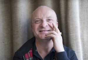Jonas Gardell har framträtt på många olika sätt under sina drygt 30 år i offentligheten. Hans nya föreställning