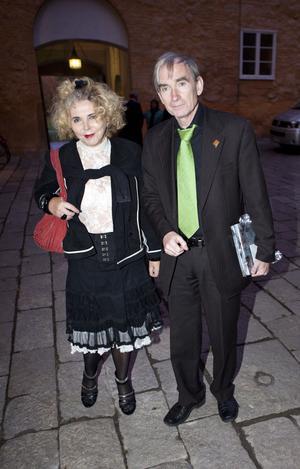 Anders Nylén, från Galleri Astley i Uttersberg, mötte kungen redan 2006 när Carl XVI Gustaf invigde en utställning på galleriet. Anders kom med Eva Zettervall.