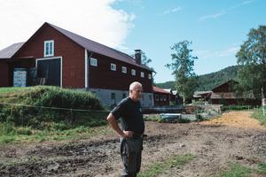 Gunnar Olsson tog över gården efter sina föräldrar. Han hade alltid haft en dröm om att själv få prova och när pappan gick i pension gjorde de slag i saken.