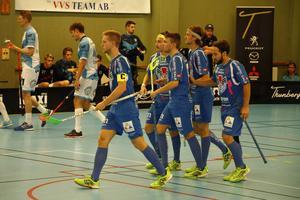 Adam Lundgren i mitten kommer inte till spel på grund av hjärnskakning mot Mullsjö i eftermiddag.