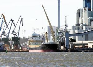 Hamn med framtid. Sjöfarten till Västerås kan inte avskaffas, menar Olov Jansson.
