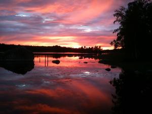 En kort fantastisk solnedgång över Virsbosjön som varade i endast 10 minuter.