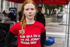 Lovisa Englund jobbar med ungdomsfrågor på Fastighetsanställdas Förbund.