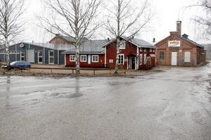 För ett par år sedan flyttade WRT till nyrustade lokaler i Gästrike-Hammarby, i den nedlagda massafabrikens el- och mekverkstad.