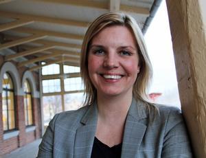Lotta Pettersson, Svenskt Näringslivs regionchef i Gävleborg, menar att kommunerna och Högskolan i Gävle måste involvera företagen mer i utbildningen.