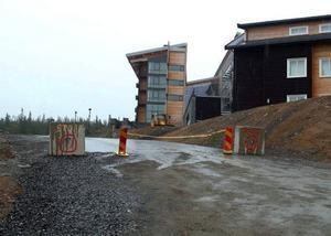 Från och med nu kommer Copperhill Mountain Lodge att se betydligt gladare ut. Home Properties vd Clas Hjorth lovar mycket aktivitet för att bli klar till december och sedan fullt tryck hela säsongen.Från och med nu kommer Copperhill Mountain Lodge att se betydligt gladare ut. Home Properties vd Clas Hjorth lovar mycket aktivitet för att bli klar till december och sedan fullt tryck hela säsongen.Foto: Elisabet Rydell-Janson