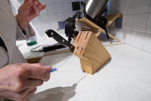 Knivstället når skyhögt över gränsvärdet för vad som är rent.