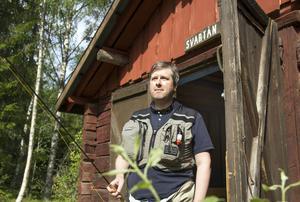 Magnus Åsentorp har flugfiskat sedan han var 14 år och är nu ordförande i Woxnadalens flugfiskeklubb.