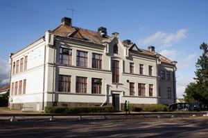 Det projekteras för att renovera Olsbacka skola. Prislappen är, enligt Arbetarbladets uppgift, 60 miljoner kronor.