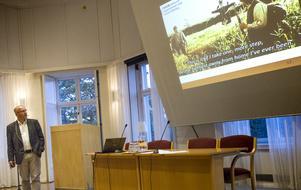 Ludvig Sandberg från Forum – idéburna organisationer med social inriktning, illustrerade med en bild från filmen Sagan om ringen att man nu kliver in på okänd mark.