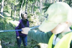 Barnen på Solgårdens förskola i Sandviken var snart uppslukade av Pia Möller Anderssons berättelse om Stentrollen på Söderåsen.
