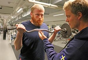 Se målmedvetenheten i Robin Linds blick. Här tränar han med personlige tränaren Richard Jacobsson.