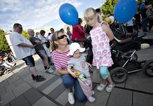 Ulrika Andersson var på torget med döttrarna Ida, fem år, och Moa, ett och ett halvt år.