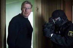 """PÅ MÖRDARJAKT IGEN. Rolf Lassgård spelar huvudrollen i SVT:s julsatsning """"Den fördömde"""". De två långfilmslånga avsnitten handlar om kriminalpsykologen Sebastian Bergman."""