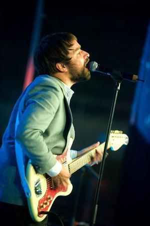 Morabördige Peter Morén, från bandet Peter, Bjorn & John, kommer på 24:e plats på listan.