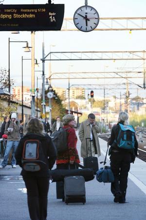 Många på väg. Det är glädjande att Mälardalsrådet vill samarbeta mer för att underlätta resande i området.foto: margareta Andersson/VLT:s arkiv