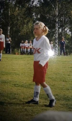 Michaela Hermansson, cirka 8 år, i en match mot Ornäs.