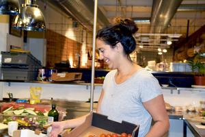 Såma brinnerför alla delar i restaurangen – från råvarorna och det som händer i köket till serveringen.