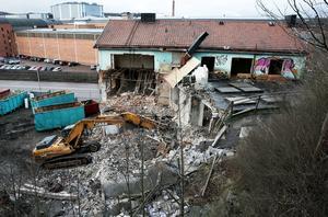 I januari 2014 rev kommunen restaurangbyggnaden. Senare slog Svea hovrätt fast att kommunen