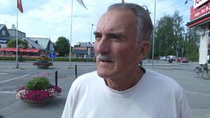 Bo Forsgren,Tåsjö:   – Kan du lova att vi får fler bostäder här i Strömsund och i byarna runtomkring? Förmodar att flyktingsituationen i kommunen har påverkat situationen.