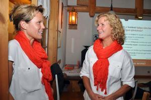 Mona Hedström, till höger, och Lotta Marcusson utbildar föräldrar på hälsocentraler i Åre respektive Krokoms kommuner. I tisdags bjöd de in till den årliga Ömsesidig respektdagen på Kretsloppshuset i Mörsil.