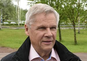 Svante Hanses (KOSA) konstaterade att med undantag för matematik följer Gagnef i stort de nationella skillnaderna mellan slutbetyg och betyget på nationella prov.