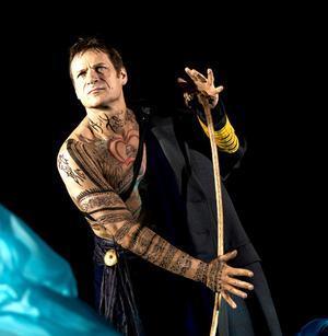 Simon Keenlyside sjunger Prospero.Foto. Metropolitan Opera