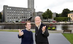 VLT:s kulturredaktör Erik Jersenius och chefredaktör Daniel Nordström leder allsången.