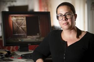 Anna Wikner har granskat Brattåsmorden i månader och tror att svaret på gåtan redan finns i utredningarna