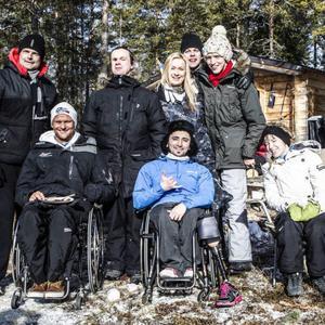 Av seriens tio deltagare hade åtta tagit sig till återträffen.