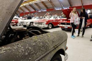 En fyrdörrig Amazon från 1965 drog många blickar och blixtar till sig på lördagens mc- och bilmässa i Sandviken.
