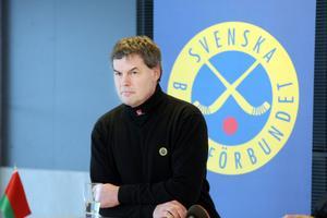 Franco Bergman och bandylandslaget är i Vänersborg för att vinna ett nytt VM–guld.