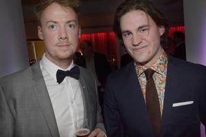 Granlo BK:s Jonas Berglund och Anton Uhlin kom välklädda till den första innebandygalan och njöt av kvällen.
