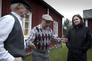 C: Petters-Börje och Cia är nog lite chalur på vad Lennart skrävlar om.