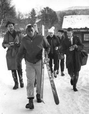 Pattersons vistelse i Vålådalen var en världsnyhet och redan när han anlände till byn väntade ett stort pressuppbåd där på honom.
