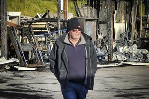 Bild på Janne Fredin från i höstas när det brann i ett förråd på Sävstaås.