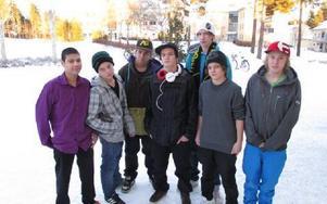 Från vänster; Kim Svensson, Niklas Bernhardsson, Oskar Gyllner, Isak Melander, Albin Lindoff, Joel Jäderkvist, Conrad Jonsson. FOTO: KRISTINA VAHLBERG