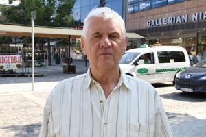 Lars Lindqvist, 70+, pensionär, Valbo– Jag tycker det verkar vettigt att allt blir samlat uppe i Sätra, bättre ur parkeringssynpunkt också. Det är i och för sig nära till Strömvallen, men jag tycker ändå det verkar vettigt.