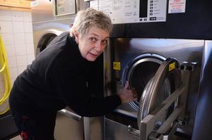 Carina Subäck från Sveg öppnar tvätteri i Bollnäs.
