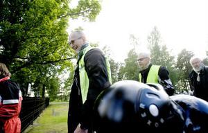 – Jag ber lite varje dag, sade Birger Evaldsson, som hörde till mc-gänget från Färila.