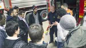 Räddningstjänsten har gjort flera utryckningar till Norrbygården under kort tid. Samtliga gånger har det rört sig om boende som röker inomhus, vilket har triggat i gång det interna brandlarmet. Nu ges säkerhetsinformation till 24 av Norrbygårdens asylsökande och personal för att kunna hantera en eventuell brand eller annan nödsituation.