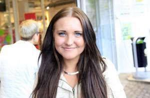 – En kompis till mig tänker inte dricka förrän hon är arton år, det tycker jag är fränt, säger Therese Fagerlund som är imponerad av de få vänner hon har som står emot pressen att dricka alkohol.