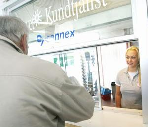 Vid Busslinks informationsservice vid Navet i Sundsvall hade Charlotte Olsson en jäktig dag med många resenärer som ville ha information om ändringar av busstiderna i sommar