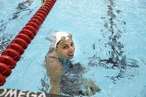 Jennie Johansson slog till med rekordlopp även på 100 meter bröstsim under tisdagens Swim open i Eriksdalsbadet.