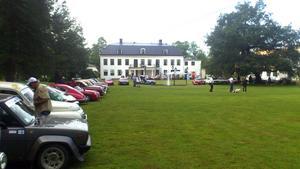 Flöt på bra. Hellefors Herrgård serverade kalops åt fler än 500 förare som körde Midnattssolsrallyt.bild: Mats Runqvist