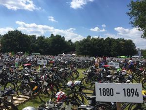 Många cyklar blir det. 3500 deltagare, varav cirka 20 svenskar, tog sig an årets upplaga av Challenge Roth.